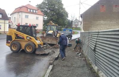 Oprava chodníků Hradec